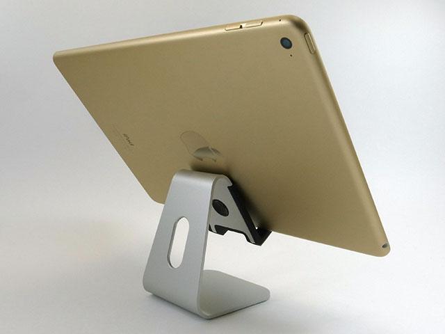 iPad Airを載せたところ