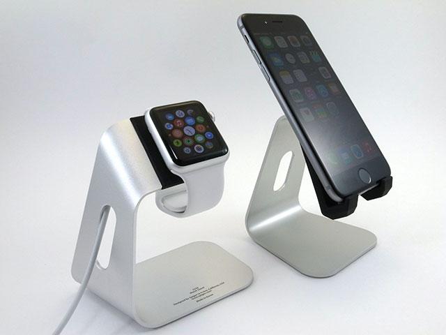 Apple WatchスタンドS330と並べたところ