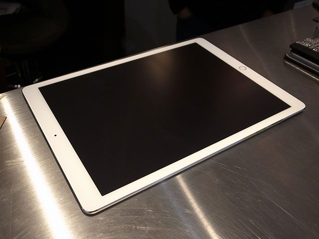 iPad Pro用液晶保護フィルムの貼り付けサービス