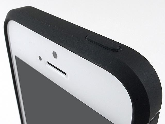 Spigen iPhone SEケース ラギッド・アーマー