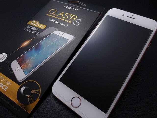 Spigen GLAS.tR S iPhone 6/6sガラスフィルム