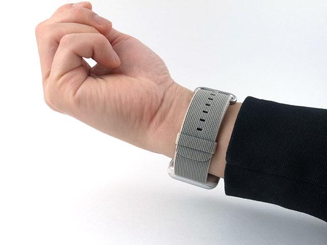 Apple Watchを右手に着ける方法