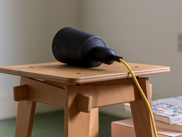 LEDライト型スマートプロジェクター Beam