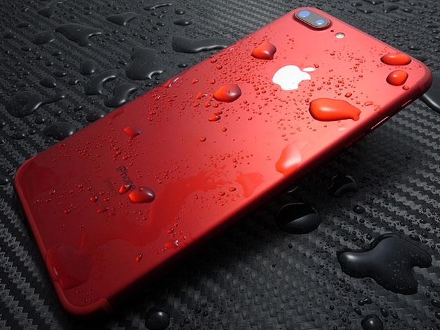 iPhone 7 Plus (PRODUCT)RED Special Edition