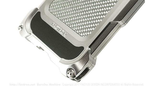 Quattro for iPhone X HD ワイヤレス充電対応モデル