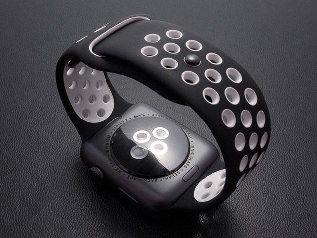 Apple Watch ブラック/ホワイトNikeスポーツバンド