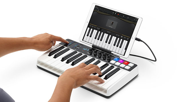IK Multimedia iRig Keys I/O 25 MIDI Controller and Audio Interface