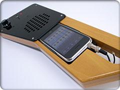 iPhone用ギター型スピーカーEZISON 100(Fingeristプロトタイプ)