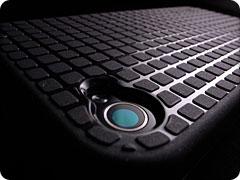 Speck PixelSkin HD for iPhone 4