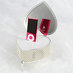 iHeart Jewelry Box Speaker for iPod