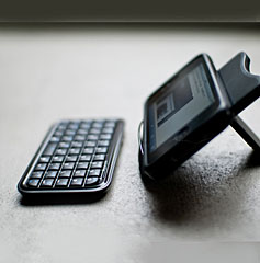 Wireless Keyboard for iPhone 3Gs/4/iPad/iPodtouch