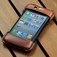 TUNEWEAR × Roberu iPhone 4 Outer Leather Cover for eggshell