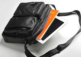 タブレットのための小型ショルダーバッグ アベニューディー別注モデル