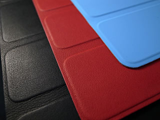 レザー製とポリウレタン製のSmart Cover