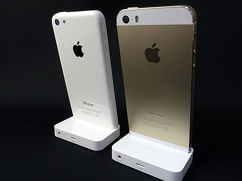 iPhone 5s DockとiPhone 5c Dock