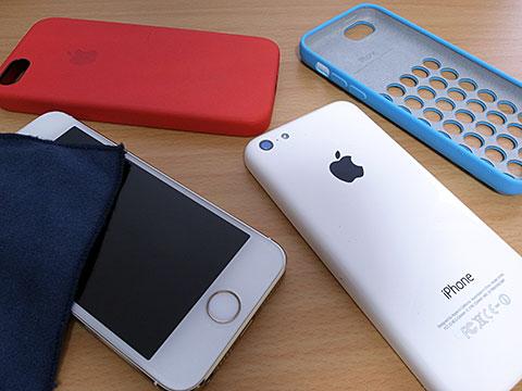iPhone 5s/5cと純正ケースをきれいにする