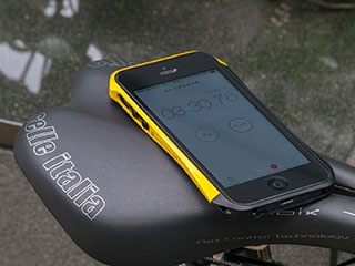 CLEAVE ALUMINUM BUMPER AERO for iPhone 5/5s ヨーロピアンイエロー/ブラック