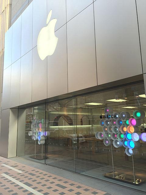 Apple Storeのエントランス
