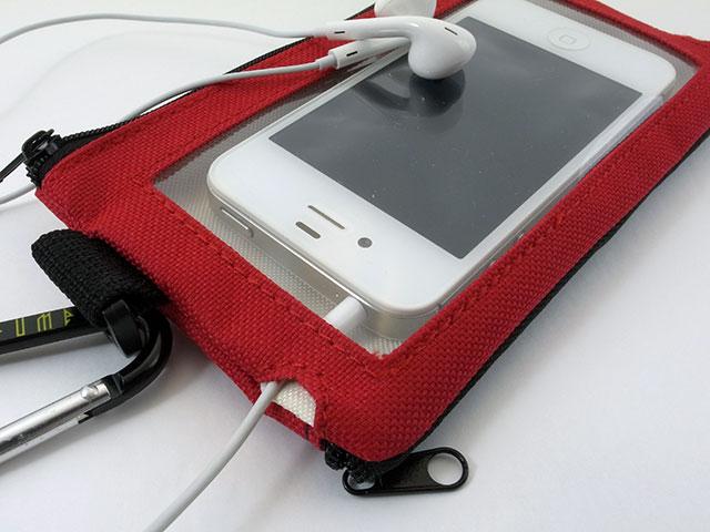PerfumeスマホポーチにiPhone 4sを収納したところ