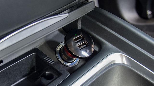 Deff Car Ciger Charger FIGO