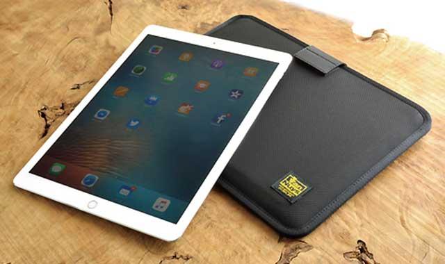バンナイズ iPad Pro 用薄型 キャリング ケース