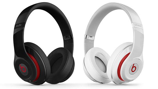 Beats Studio Wirelessオーバーイヤーヘッドフォン ブラック・ホワイト