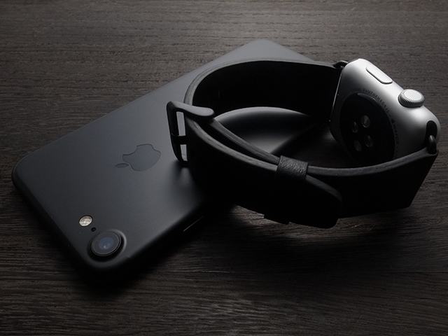 ベルキン Classic Leather Band for Apple Watch