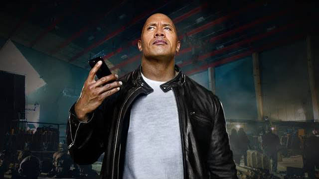iPhone 7 — The Rock x Siri 今日を支配せよ