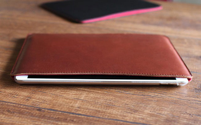 職人が作るレザースリーブ for 10.5インチiPad Pro