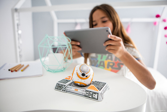 BB-8 App-Enabled Droid with Trainer