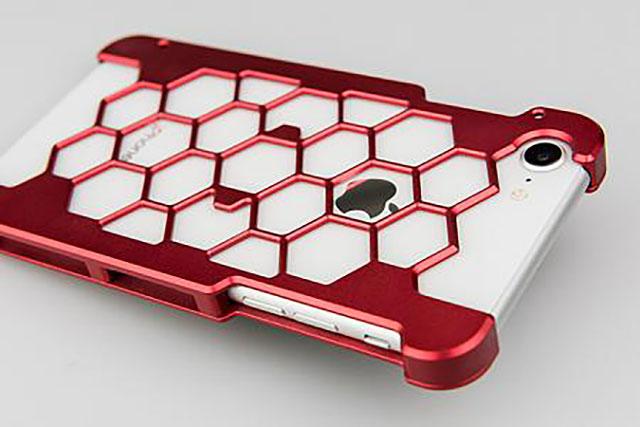 ワイエスデザインiPhone 8用プロテクターケース