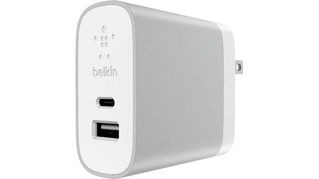 ベルキン USB-C + USB-A ホームチャージャー(27W)