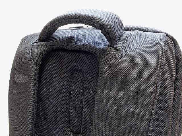 Spigen ニューコーテッド2 Plus バックパック