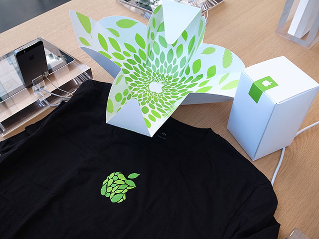 Apple 表参道 オープン記念Tシャツ