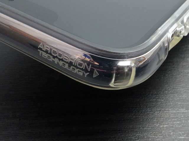 Spigen リキッド・クリスタル for iPhone XS Max