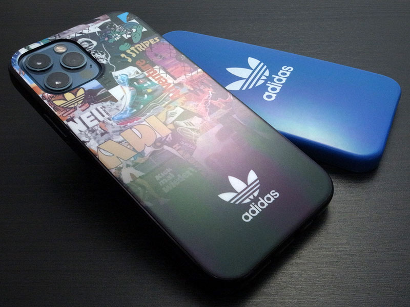 iPhone 12/12 Pro用 adidas Originals Snap Case