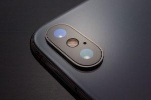 iPhoneの背面カメラレンズ