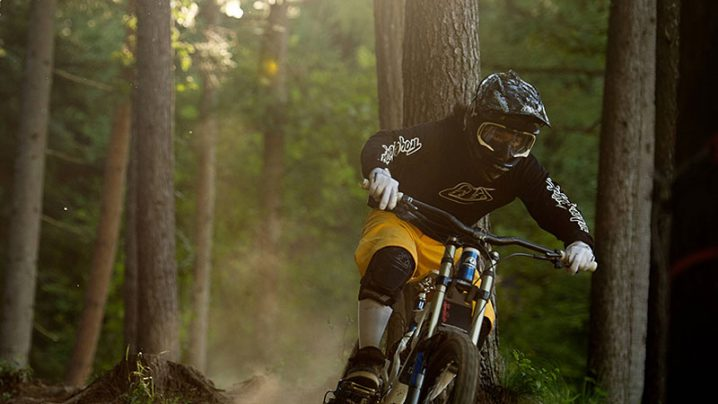 デザインラボ:高松健二と夢の自転車を創り上げよう