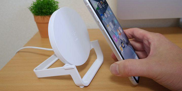 Belkin BOOST↑UP ワイヤレス充電スタンド(10W、micro-USBケーブル&ACアダプター付き)