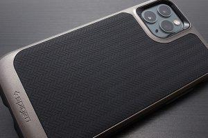 iPhone 11 Proケース Spigen ネオ・ハイブリッド