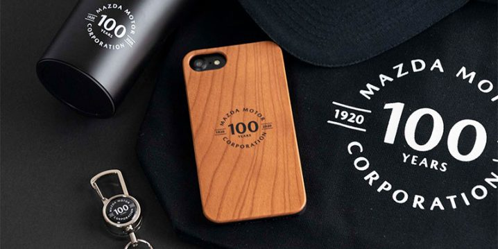 マツダ100th Anniv. Wood iPhoneケース