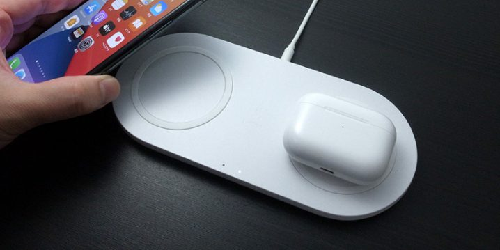 Belkin BOOST↑CHARGE 10Wデュアルワイヤレス充電パッド