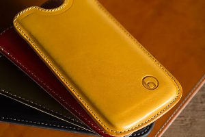 バズハウスデザイン iPhone 12/12 Pro用ハンドメイドレザーケース