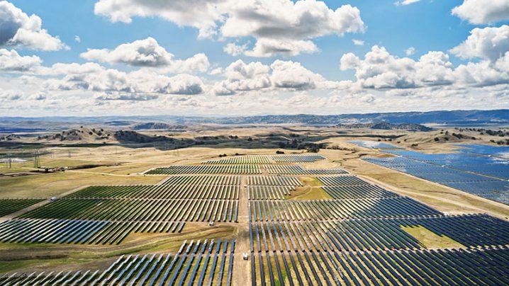 Appleが新設したソーラーファーム California Flats
