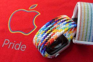 Apple Watch プライドエディション ブレイデッドソロループとNikeスポーツループ