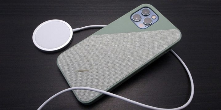 Native Union Clic Canvas for iPhone 12 Pro with MagSafe