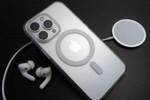 Apple純正 MagSafe対応iPhone 13 Proクリアケース