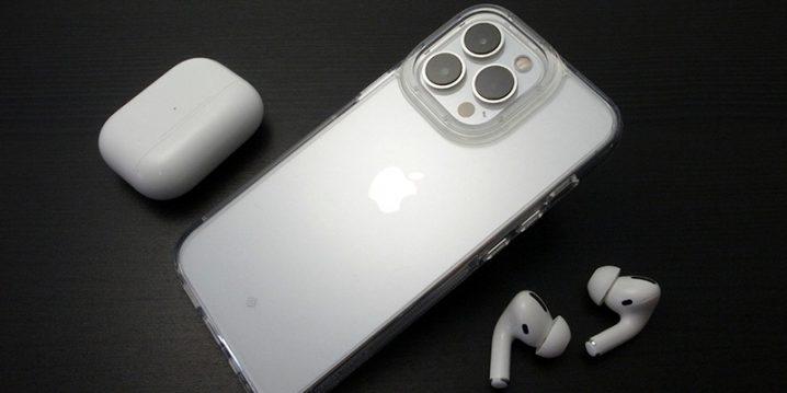 iPhone 13 Pro用ケース Caseology スカイフォール